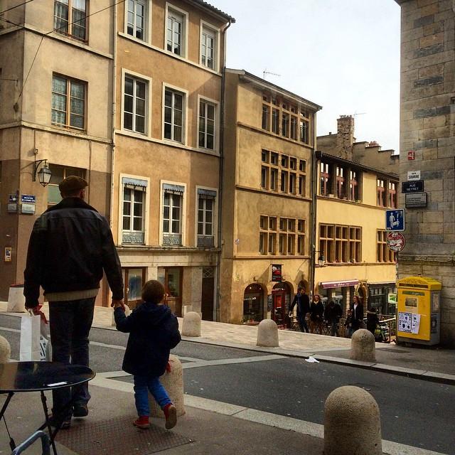 #lyon #lyonlavillequivousplay #instanow #igerslyon #instagood #croixrousse #pentes #escalier #ballade #promenade