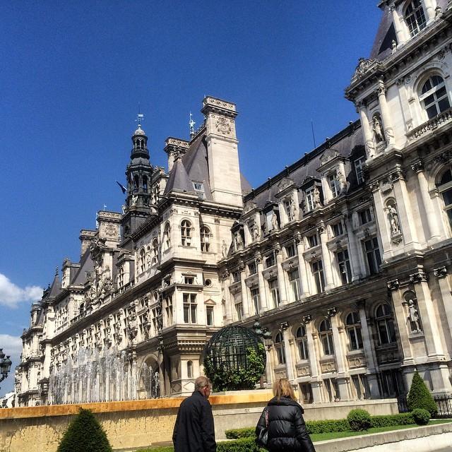 #paris #instanow #instagood #igerslyon #igersparis #hoteldeville #soleil